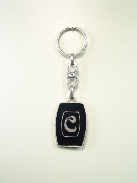 "SOUVENIRS KEYCHAIN ​​HOROSCOPES AND INITIALS ""ORLA CIRCULAR LETTER C ON 1 colored enamel"""