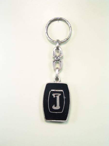 "SOUVENIRS KEYCHAIN ​​HOROSCOPES AND INITIALS ""ORLA ON CIRCULAR LETTER J 1 colored enamel"""