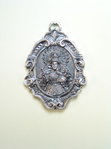 "RELIGIOUS MEDALS images RELIEVE ""MADONNA AND JESUS ​​NIO and scepter 65 MM"""